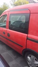 Vauxhall combo crew side door glass with seals and latch