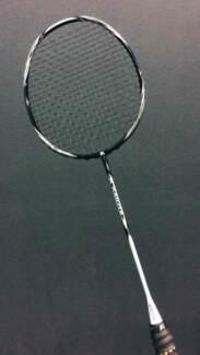 The World's Lightest Racket (Badminton)
