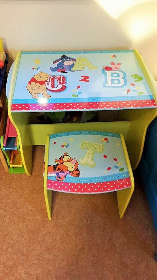 RRP60 Disney Winnie the Pooh table desk and chair in very good conditionin Richmond, LondonGumtree - In almost pristine condition. I have also matching plastic storage cube and New Philips lamp