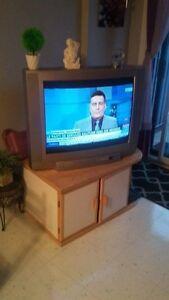 Meuble télé et télé