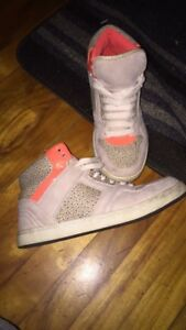 Urban outfitters high tops Size 8