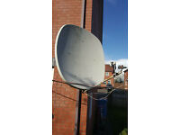 Silvercrest satellite dish with 2heads and receiver.