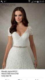 Stunning Ronald Joyce wedding dress size 16