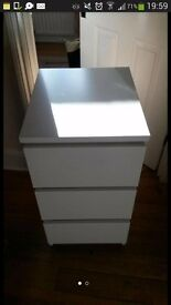 chest of 3 drawers NEW