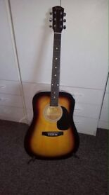 GUITAR FOR SALE. LIKE NEW, HARDLY PLAYED