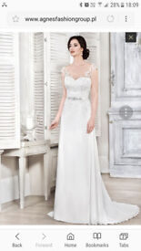 WEDDING DRESS SIZE 8 S