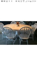 Beautiful extending shabby chic dining table and 6 chairs