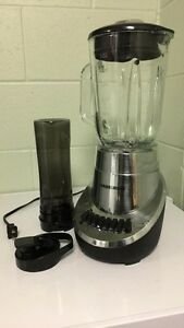 Brand anew Black and Decker Blender with Bottle
