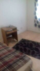 Single Bedroom - Spacious, Cozy, Semi-Furnished 500 PCM