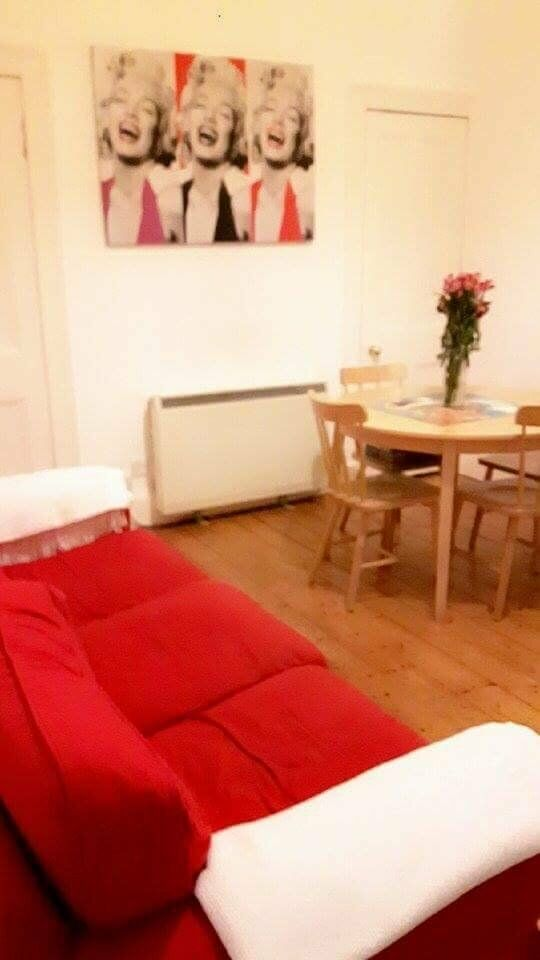 Spacious double bedroom to rent on Gorgie Road-flatshare