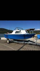 4.6M half cabin boat, 2002 75HP mercury, swaps Marsden Logan Area Preview