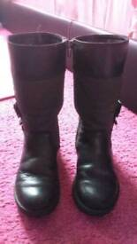 GIRL'S BLACK LEATHER CLARK'S BOOTS FOR SALE