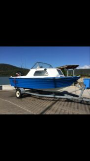 4.6M half cab glass boat 75HP mercury on trailer  Airlie Beach Whitsundays Area Preview