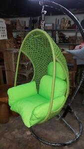 Chaise Suspendue Berçante faux Rotin  // Hanging Swiging Rattan Chair * NEW *