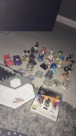 Disney infinity 3.0 game and figures