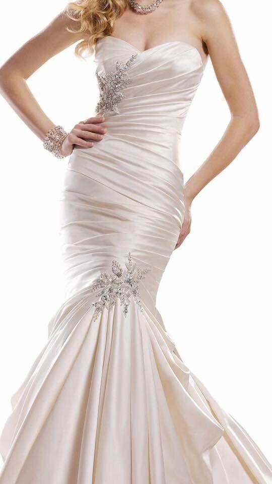 Wedding Dress Size 12 14 Beautiful Dress Got Vail And Fur Wrap Too