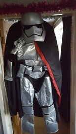 STARWARS DISNEYSTORE; DELUKE ;;;captain phasma costume