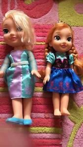 Elsa and Anna dolls FROZEN Merrimac Gold Coast City Preview