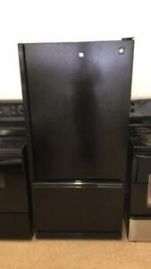 ECONOPLUS OTTAWA SUPER SPECIAL BLACK GE PROFILE  BOTTOM FREEZER  FRIDGE TX INCLUDED