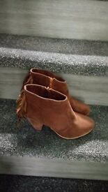 womens boots size 6 brand new