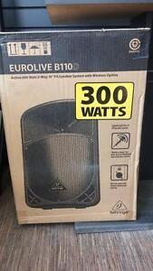 Magnifique Caisse de son amplifier de marque Behringer modèle BD110D 300 Watt, remis a neuf pour seulement 299.99$!!