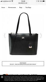 Ladies Michael Kors Maddie pocket tote bag