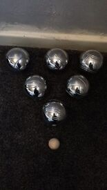 Boules set in carry case