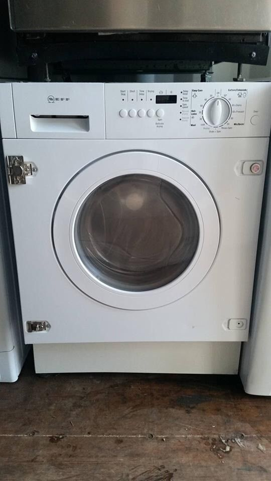 'Neff' Built In Washer Dryer - Excellent condition / Free local delivery and fitting