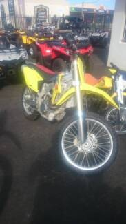 2014 suzuki rmz450 asnew condition only 5 hours since new Taminda Tamworth City Preview