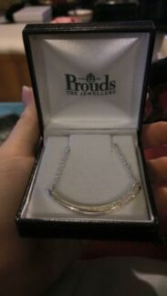 Prouds Necklace  Maryland 2287 Newcastle Area Preview
