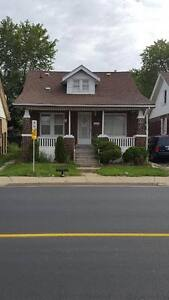 2 Bedroom Rental with Fenced Yard and Central Air OPEN HOUSE WED