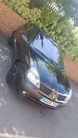 Renault clio 1.2 black- cheap to run-low mileage!