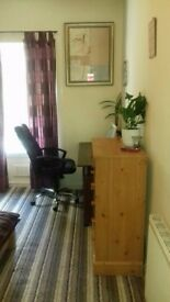 stunning double room in cardonald all bills are included