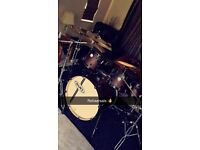 Mapex Limited Edition 6 piece Drum kit with Cymbals