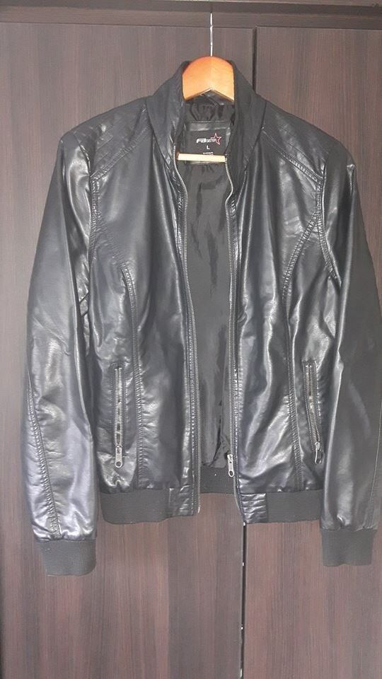 Women Leather Jacketin AberdeenGumtree - Women Black Leather Jacket size L . In good condition . Is fashionable and nice )