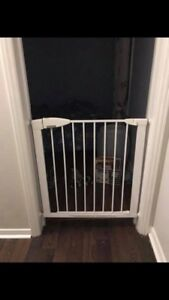 LOOKING FOR a Baby gate