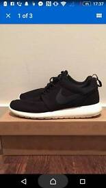 Nike Roshe Trainer size 10 uk