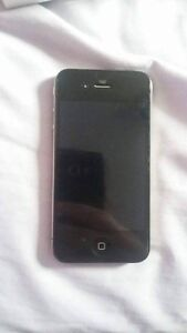 Mint Condition 8 gb iphone 4