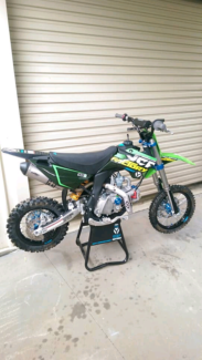 YCF SP2      race mini   (french pit bike)