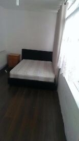 BIG SIZED DOUBLE ROOM IN WESTFERRY! READY TO GRAB! 180PW!