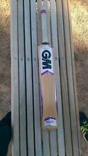 GM 1st Grade English Willow Mogul Cricket Bat Melbourne CBD Melbourne City Preview