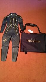 2xU Project X:2 Triathlon / Swimming Wetsuit (with Carry Case)