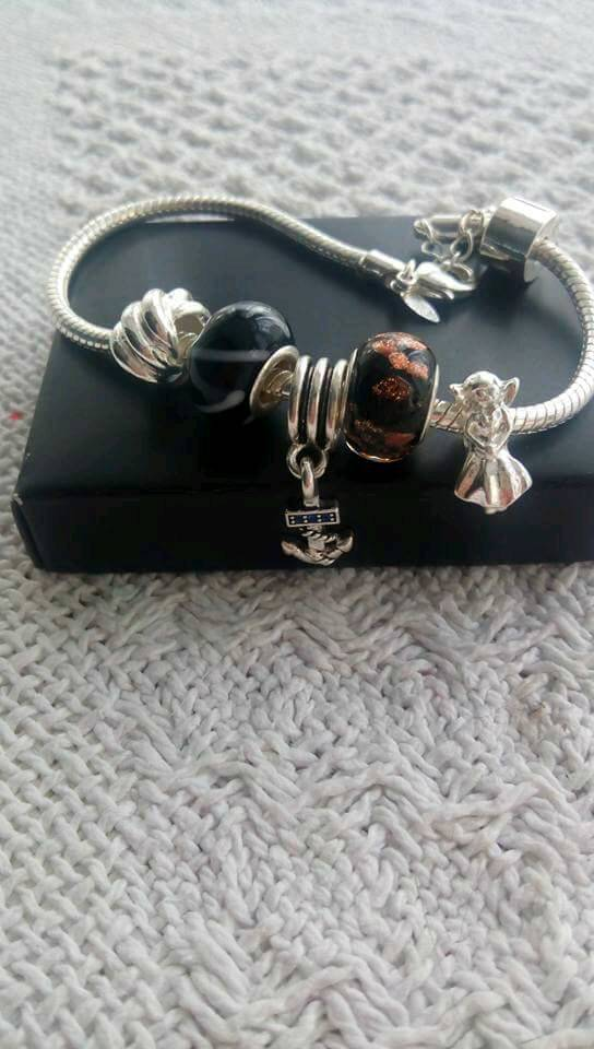Bracelet for salein Wolverhampton, West MidlandsGumtree - Beautiful bracelet never used can easily add beads etc of your choice x must collect only as i dont drive sorry wv10 8sh