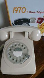Retro Style Telephone !!