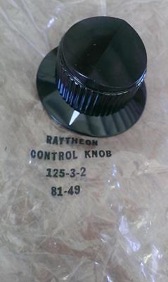 RAYTHEON  CONTROL KNOB WITH SKIRT  125-3-2   1/4 SHAFT