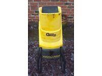 Garden Master (GMES) Electric Garden Shredder/Chipper