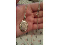 Sterling Silver Womens Locketzx