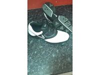 Mens size 9 nike golf shoes
