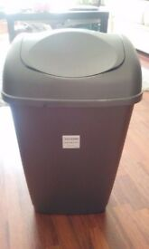 HOUSE BIN IN PERFECT CONDITION FOR SALE!!! PLEASE HELP ME GET RID OF IT :)