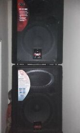 P.A Speaker's 2 x passive 1x 500W 1 x 600W 2 x active Subwoofers 800w